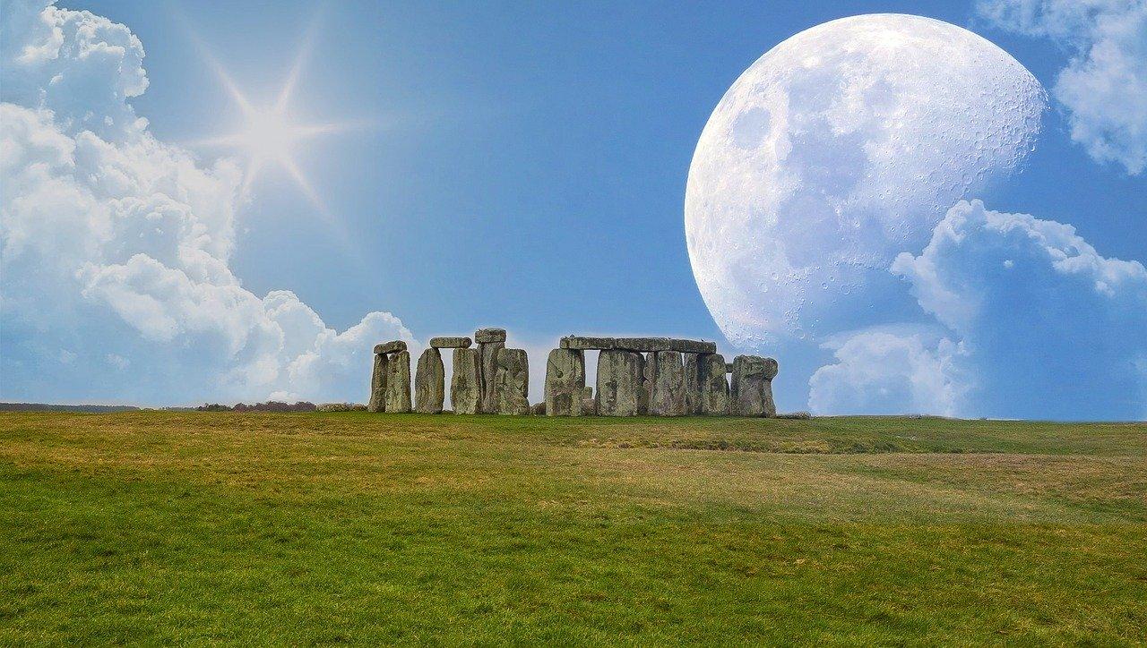 stonehenge-2294032_1280