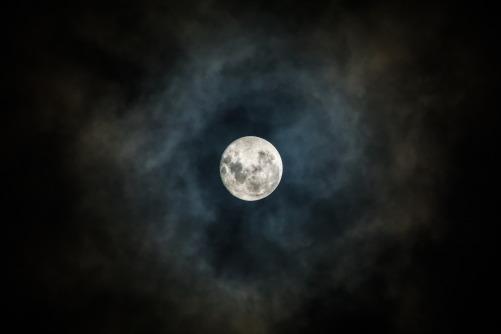 moon-3059861_1920